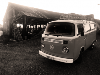 vintage-wedding-car-tweed-coast